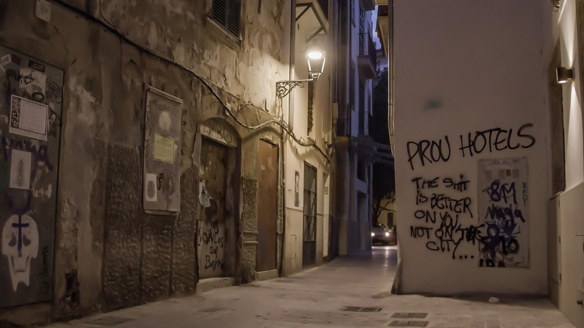 Proyección: Destrucció creativa d'una ciutat